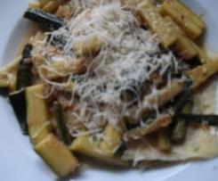 Ziegenkäse-Ravioli mit Zucchini