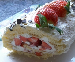 Erdbeerrolle, super auch für Ostern oder mit anderen Früchten, aus der Silikon Backform