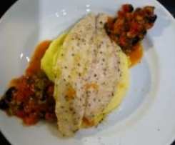 *Mediterrane Meeresbrise* - Pangasius auf Zitrus-Karoffelpüree an Oliven-Tomatensalsa