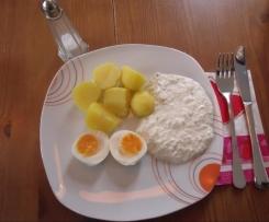 Kohlrabi-Schmand mit Kartoffeln und Ei