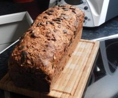 Vollkorn-Mandel-Nuss-Brot