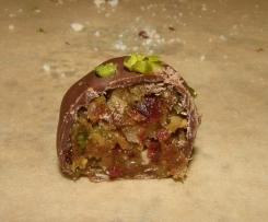 Schokoladen-Frucht-Nuss-Praline