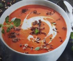 Paprika- Tomatencremesuppe mit Hackfleisch