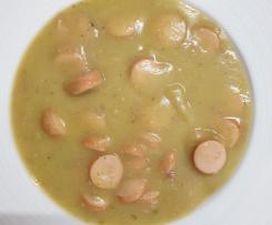 Kartoffelsuppe mit Würstchen - ala Oma