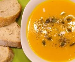 Kürbis-Creme-Suppe mit Kokosmilch vegan