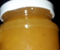 Apfelmarmelade mit kandierten Mandeln