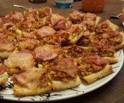 Fingerfood: Leckere Häppchen mit Tomate und Bacon