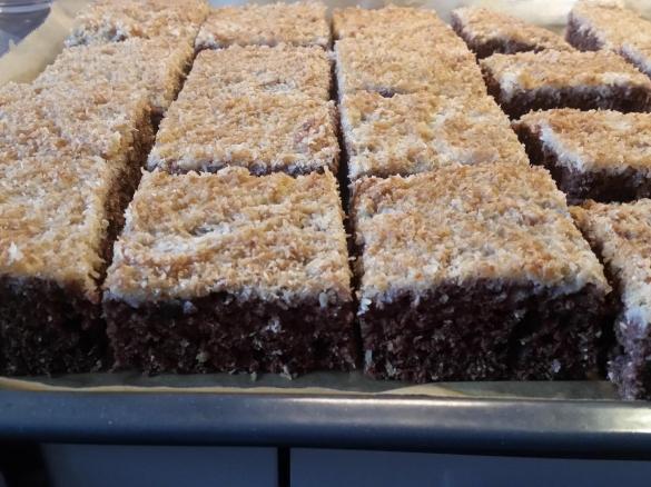 Schneller Schoko Kokos Kuchen Von Backfee236 Ein Thermomix Rezept