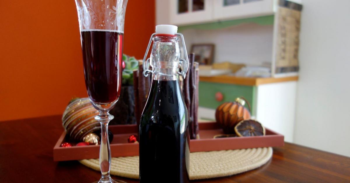Winter-Cassis / Weihnachtlicher Sirup (alkoholfrei)