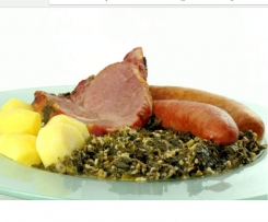 Grünkohl mit Kassler, Mettenden  und Cabanossi