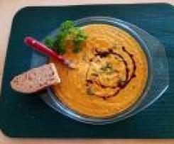 Karotten-Ingwer-Suppe mit Rosinen