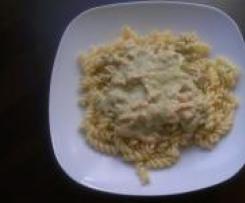 Pasta mit Lachs-Sahne-Pesto