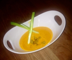 Fruchtig-scharfe Thai-Curry-Suppe