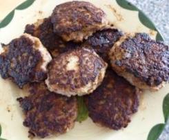 Hackfleischbällchen mit Schafskäse (Frikadellen)