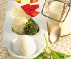 Gemüseplatte mit Eiern