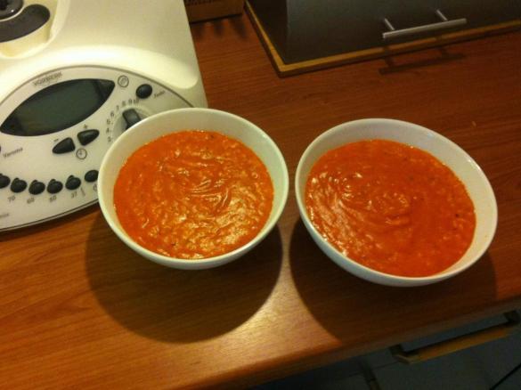 tomatensuppe mit frischen tomaten und reis von schneiderma ein thermomix rezept aus der. Black Bedroom Furniture Sets. Home Design Ideas