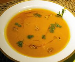 Kürbis-Curry-Cremesuppe
