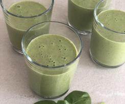 Green Smoothie mit frischem Baby-Spinat