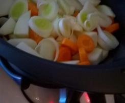 Gemüseplatte mit Putencurry