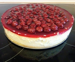 "New York Cheesecake mit Kirschtopping (aus ""Das Backbuch"")"