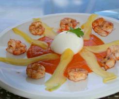 Paprikapüree mit Mango Burrata und Garnelen