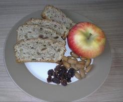 Früchtebrot mit Äpfeln