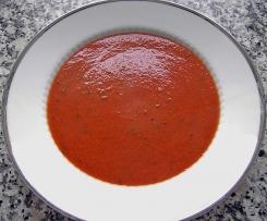 Schnelle Tomatensuppe mit Kichererbsen