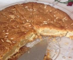 Gedeckter Apfelkuchen mit Dinkelmehl