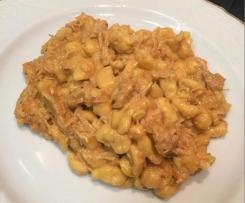 Hähnchengeschnetzeltes mit Spätzle / Pulled Chicken mit Spätzle