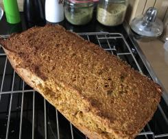 Haferflocken-Möhren-Brot (ohne Mehl)