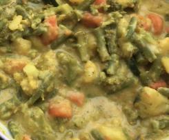 Gemüse-Kurkuma-Curry mit Kokosmilch