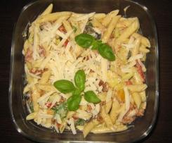 Pastasalat italienisch mit Huhn