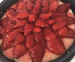 Erdbeeren-Torte mit Vanillecreme und Hermann-Boden