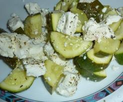 Zucchini mit Schafskäse und Tomatenreis