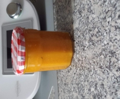 Aprikosen-Mandel-Marmelade mit Lavendel
