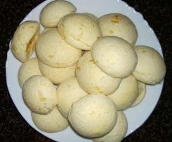 Käsebällchen (Pao de queijo)