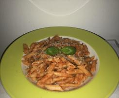 Pasta mit Tomatensoße (all-in-one)