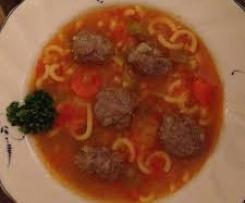 Gemüsesuppe mit Nudeln u Klößchen (Hackbällchen)