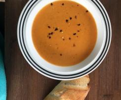 Geröstete Möhren-Paprika-Suppe