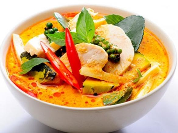 Rotes Thai Curry Mit Rind Und Thai Auberginen Von Hottombbq Ein