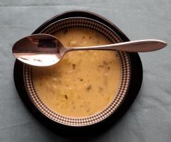 Chinakohl-Kartoffelsuppe mit Schmelzkäse