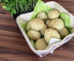 Panini Bällchen mit Kräuter & Knoblauch - perfekte Brötchen für Grillparty