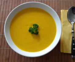 Fruchtige Karotten-Ingwer-Kokos Suppe