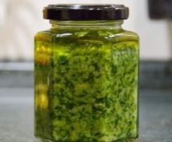 Mairübchenblätter Pesto