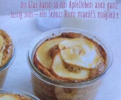 Apfel-Mohn-Schichtkuchen im Glas