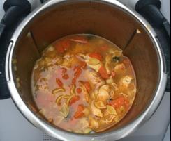 Hühnersuppe / Hühnernudelsuppe / Nudelsuppe