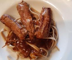Gerrys marinierte Rinderfilet-Streifen im Pastabett mit feiner Sherry-Sauce