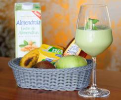 Avocado-Bananen-Smoothie mit Mandelmilch