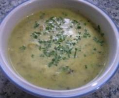 Wirsingsuppe mit Curry