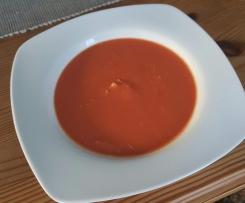 Chinesische Tomatensuppe mit Hähnchenfleisch